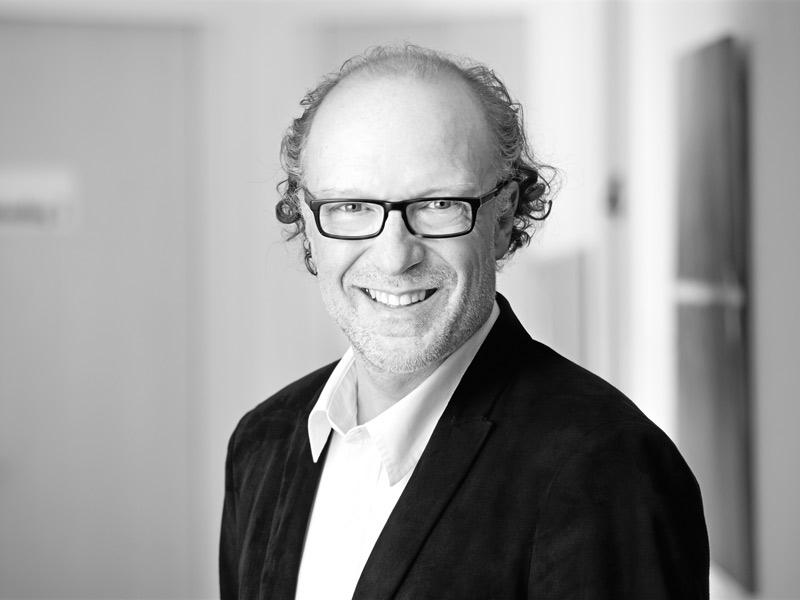 Dr. Michael Schneiders